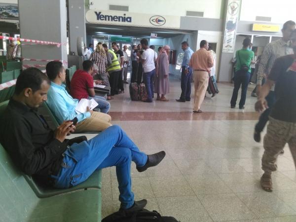 أمن مطار عدن الدولي يعتقل مراسلي 4 قنوات يمنية   المهرة بوست