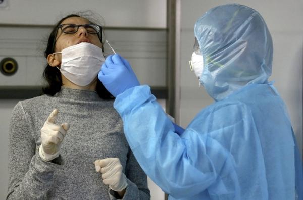 طبيب قلب: التعامل مع مرضى كورونا خاطئ.. وهذا هو الحل
