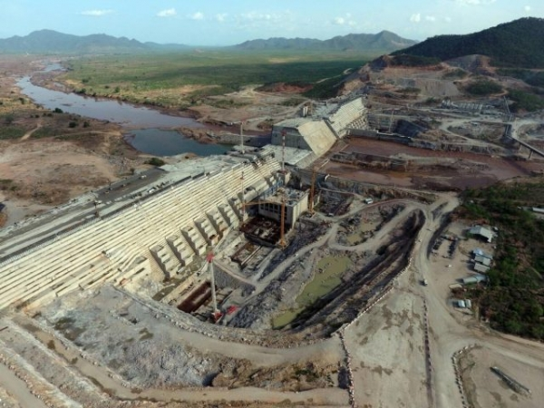 ميدل إيست آي: سد النهضة الكبير والصراع حول مياة النيل