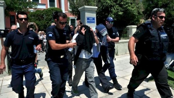 """السلطات التركية تعتقل مسيئا للنبي """"محمد"""" ووزير الداخلية ينعته بـ""""الحثالة"""""""