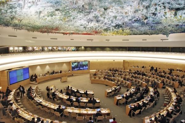 مجلس حقوق الإنسان يقر تمديد ولاية فريق الخبراء الأممي في اليمن عاماً إضافياً