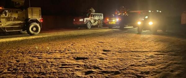 بعد انفجارات أمام مقر اللجنة.. السعودية تدفع بقوات عسكرية إلى بلدة شقرة بأبين