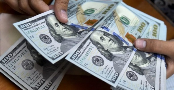 أسعار صرف العملات الأجنبية في عدن وصنعاء مساء الأحد