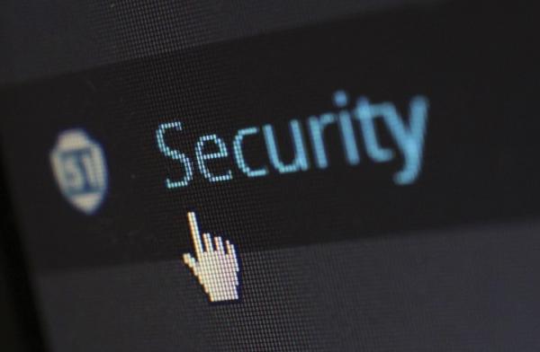 """هجوم إلكتروني على """"العفو الدولية"""" وفيسبوك تحذف حسابات"""