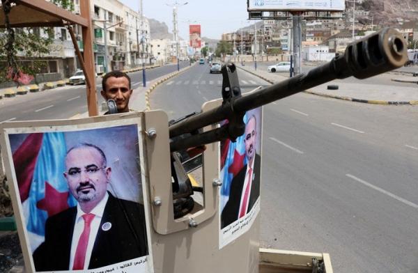 """""""الانتقالي"""" يجري تغييرات عسكرية عقب خلافات بين قادته"""