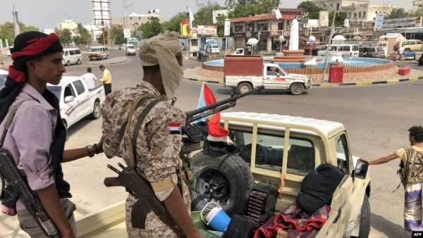 المرصد الأورومتوسطي: سكوت السلطات عن الاغتيالات في عدن يثير الشكوك بتورط مسؤولين