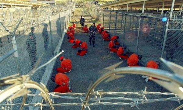 الأمريكي للعدالة: الإمارات قررت الإفراج عن 18 معتقلًا وتسليمهم للحكومة اليمنية