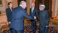 وزير الدفاع الأمريكي يبحث في مسقط وقف أسلحة إيران للحوثيين