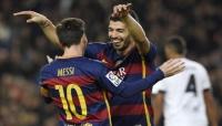 ميسي وسواريز لا يظهران أي رحمة في فوز ساحق لبرشلونة على ويسكا