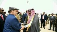 """جدل واسع عقب استقبال السفير السعودي للرئيس هادي في """"المهرة"""" (تقرير خاص)"""