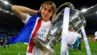 """الكرواتي """"مودريتش"""" أفضل لاعب في العالم .. و""""صلاح"""" صاحب أفضل هدف"""