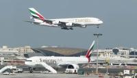 مسؤول إماراتي يؤكد توقف رحلات مطار دبي مؤقتا نتيجة تحليق طائرة مسيرة