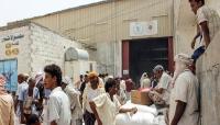 """فورين بوليسي: استهداف العاملين في مجال المساعدات الإنسانية يفاقم الأزمة في اليمن """"ترجمة خاصة"""""""