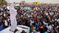 في رمضان.. المحتجون يتناولون إفطارهم في اعتصام الخرطوم