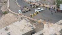 اشتباكات في محيط قصر معاشيق في عدن ومسلحون يغتالون طبيباً في عيادته