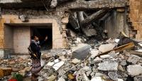 الغارديان: استراتيجية الأرض المحروقة قتلت الآلاف في اليمن ولم تقرب السعودية من كسب الحرب