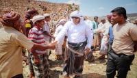 محروس يتفقد أضرار السيول في سقطرى ويوجّه بمعالجتها