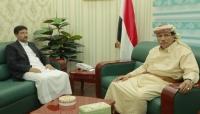 أثناء لقاء محافظ المهرة.. السلطان عفرار يؤكد وقوفه إلى جانب السلطة المحلية لتوحيد اللحمة الاجتماعية
