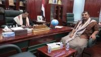 المهرة.. المحافظ بن ياسر يؤكد أهمية الحفاظ على الآثار من الاندثار والضياع