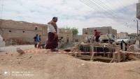 مدير عام الغيضة يتفقد سير العمل في مشروع تأهيل شبكة مياه محيفيف