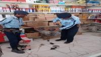 المهرة.. شرطة السير تضبط كمية من أجهزة الونان والسفتي المقلد للطوارئ وسيارات الشرطة