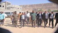 وزير الشباب والرياضة يتفقد سير العمل في مشروع استكمال منشآت نادي البرق بتريم
